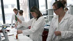 Francouzští vědci objevili novou variantu HIV
